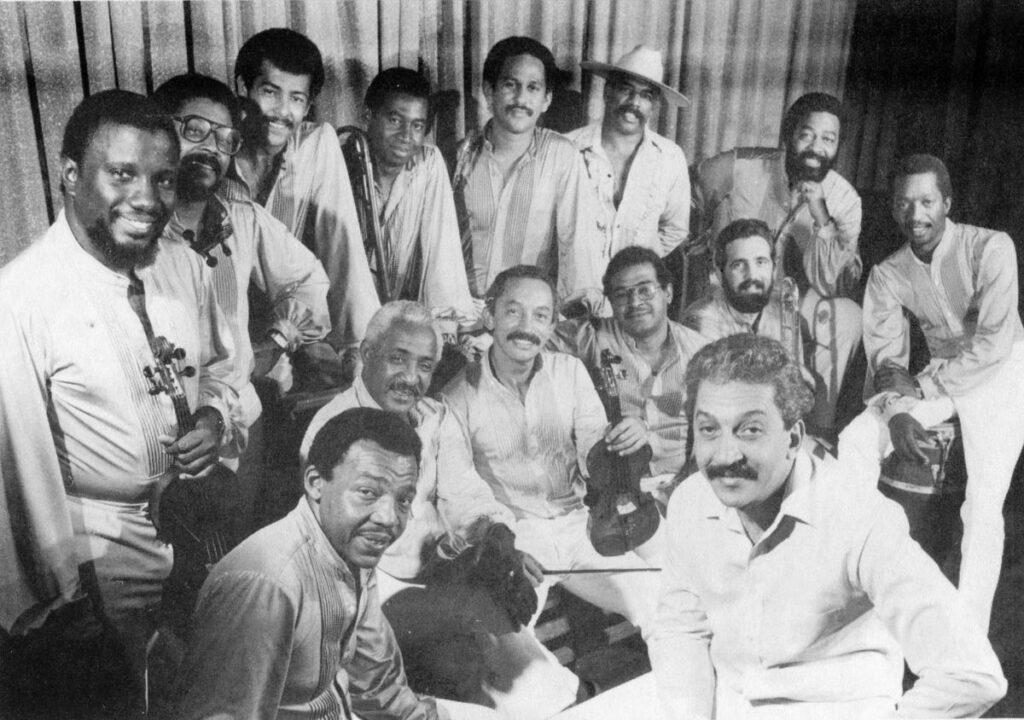 Los Van Van. Любезно предоставлено Хуаном Формелём, Гавана, 1990. Коллекция Ребеки Маулеон.