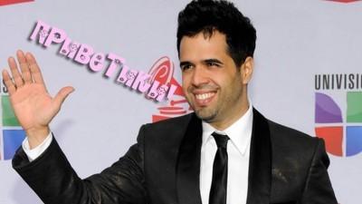 Hello – Daniel Santacruz