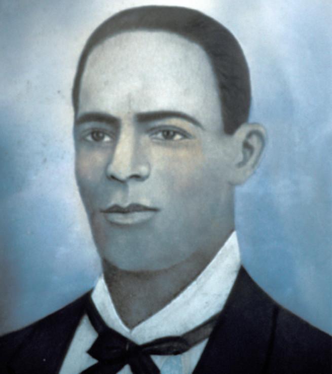 Андрес Петит